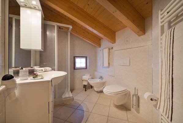 11-rododendro-appartamento-livigno-c-980x656-3