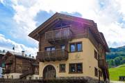 livigno apartments : Wooden House